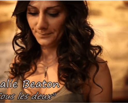 l'artiste Nathalie Beaton dans le clip Tous les deux